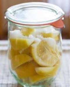 レモン塩の保存期間と人気レシピ